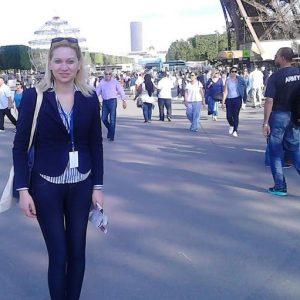Silvia Busacca - Saluta da Parigi